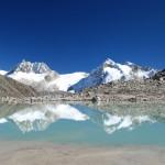 Ishinca, im Hintergrund Ranrapalca Nordwand
